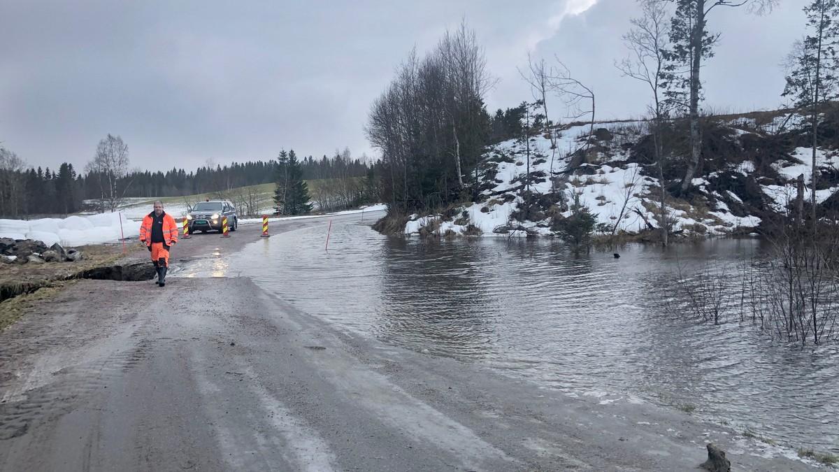 MYKJE VATN: Flaum og stengd veg i Namdalseid 21. januar i år.