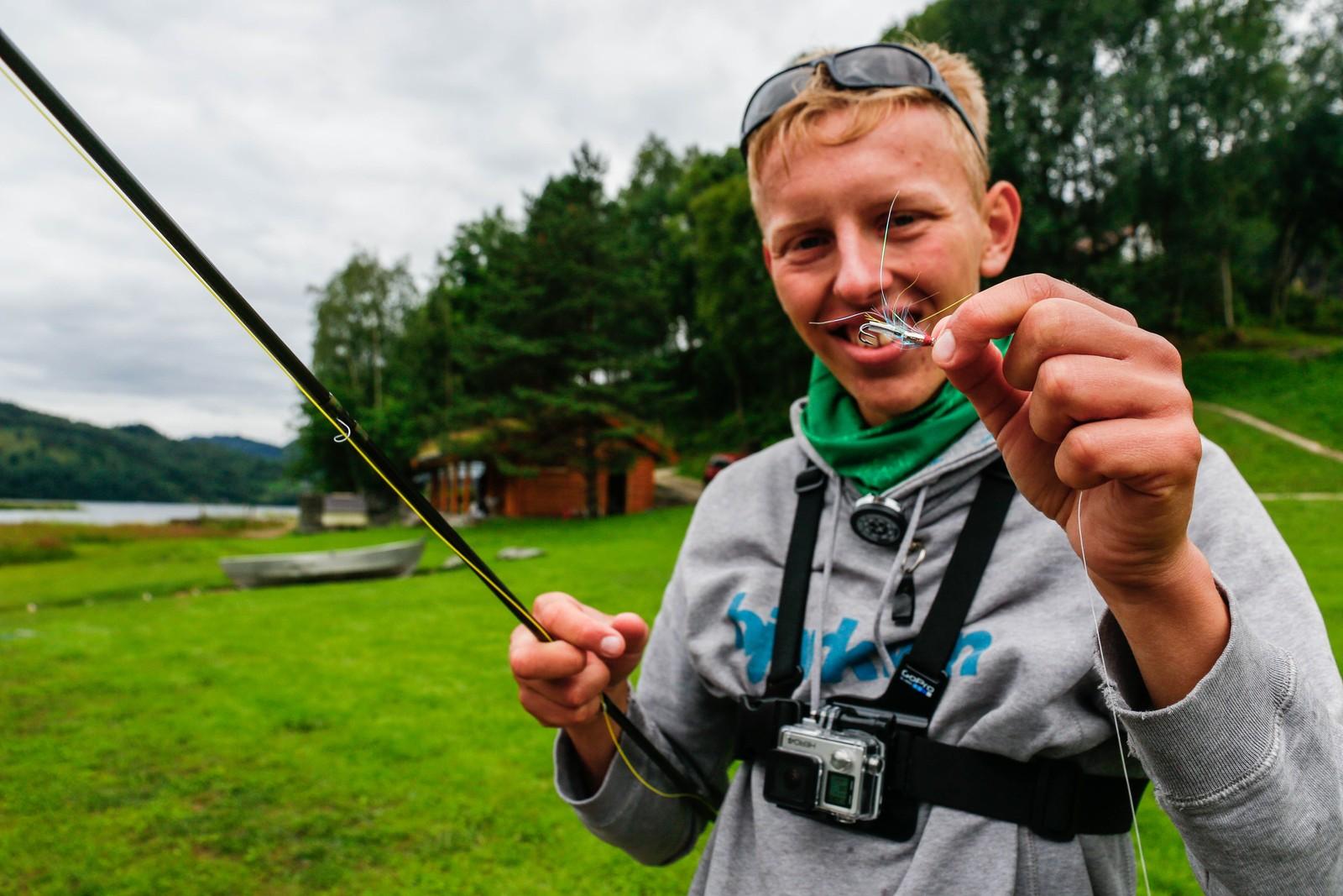 Sondre Aasen Kilnes frå Førde er ein ivrig fiskar, og veldig nøgd med å få høve til å fiske i Gaula.