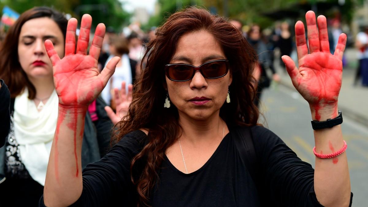 FN etterforsker mulige menneskerettsbrudd i Chile | Arnt Stefansen - NRK i Santiago