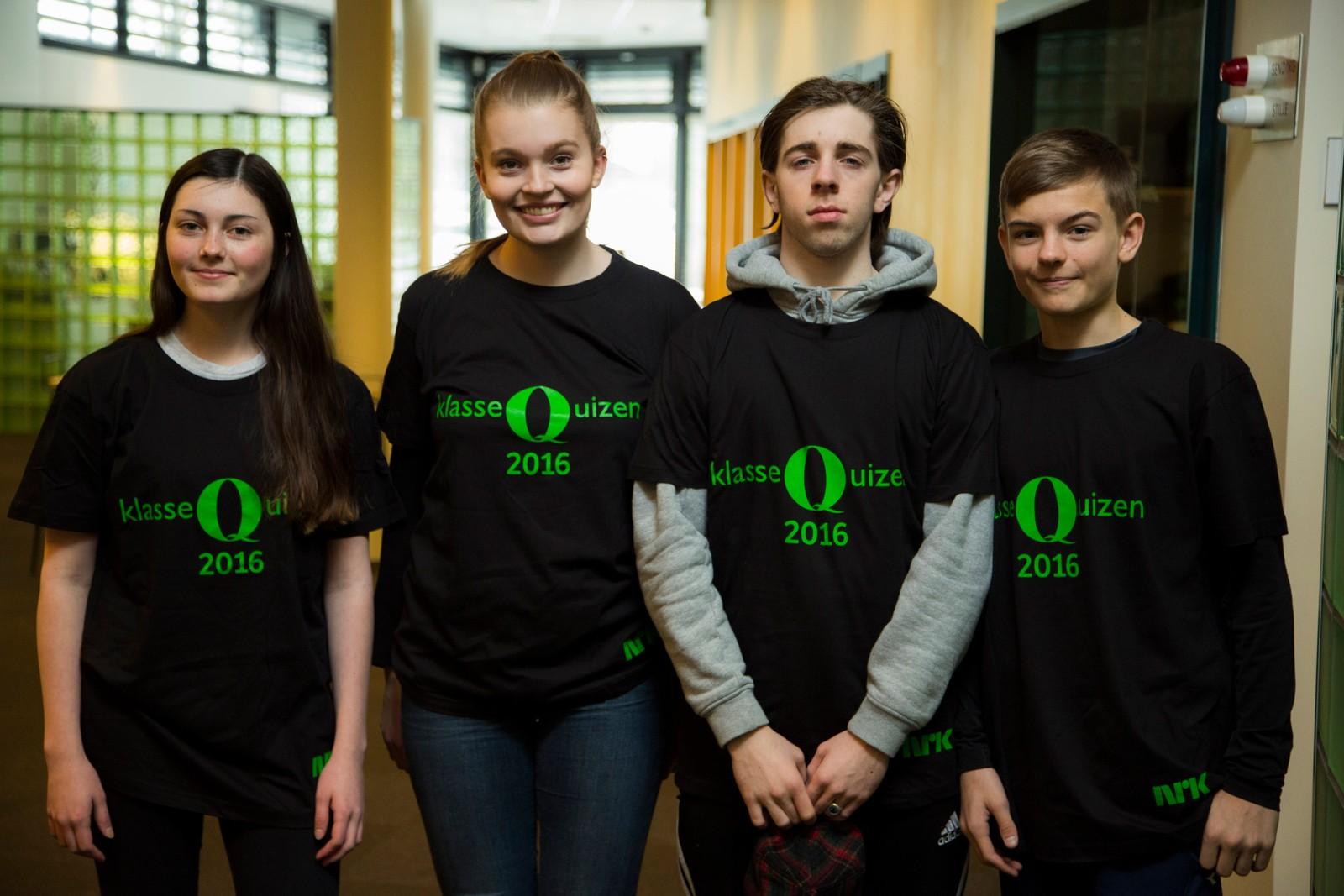 8 POENG: Hinna ungdomsskole: Alexandra Holmes, Trude Smistad (reserve), Adrian Schwerdt og Eskil Oftebro Enge.