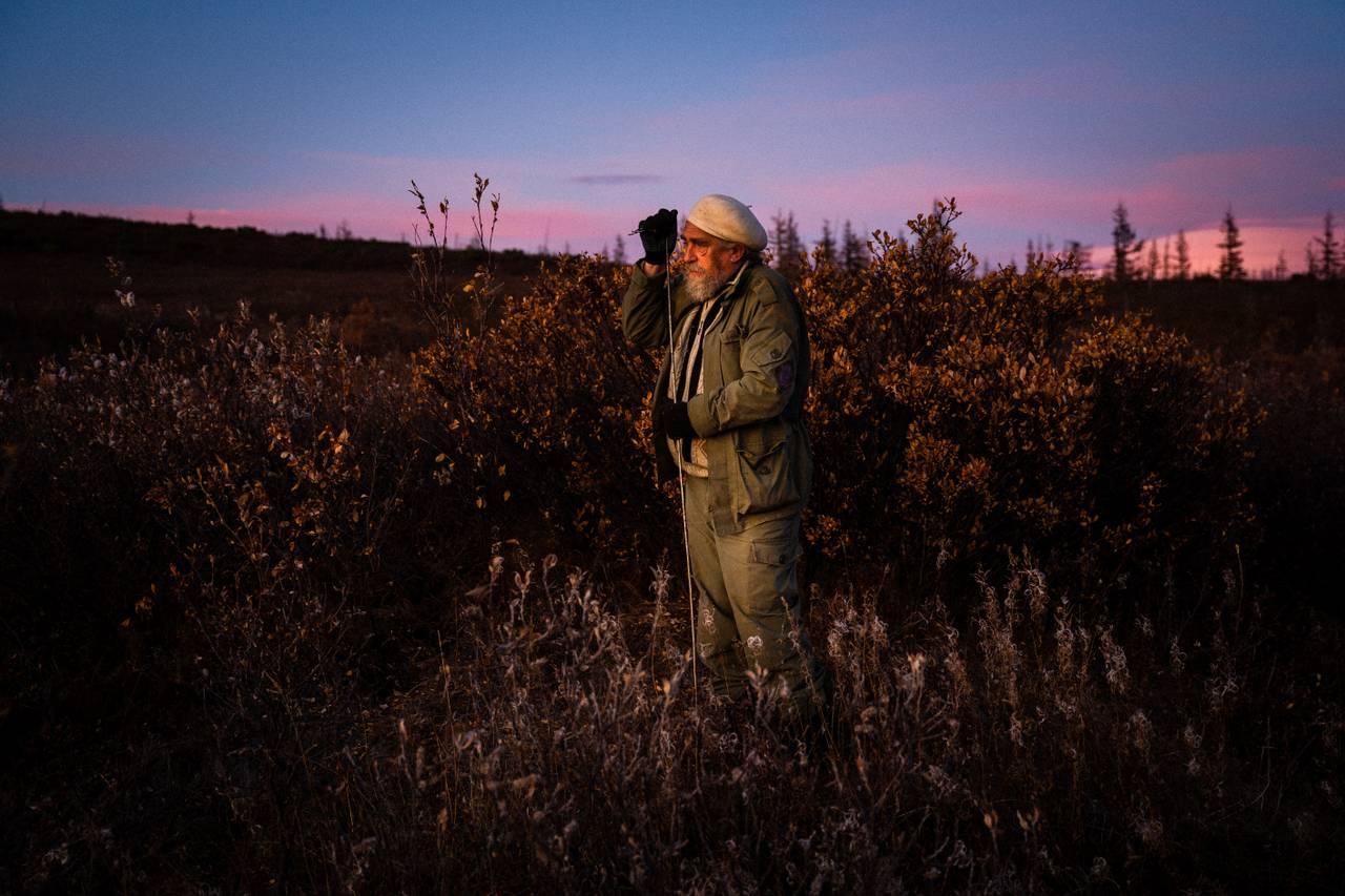 Sergei Zimov på vidda, der han måler tiningen av permafrosten.