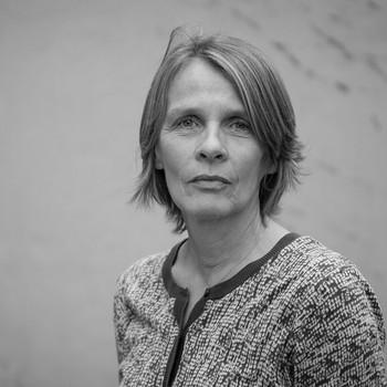 Kirsti Moe, profilbilde i sort-hvitt