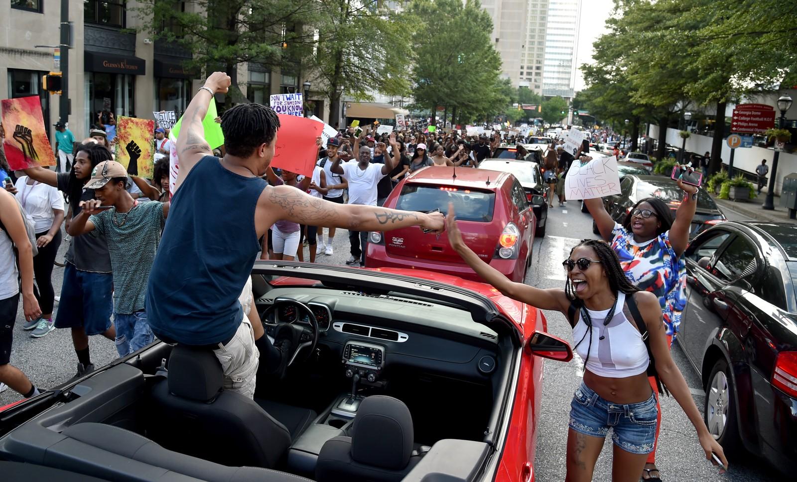 ATLANTA: I Atlanta i Georgia ble det trafikkork i sentrum da flere tusen demonstranter strømmet ut i gatene.