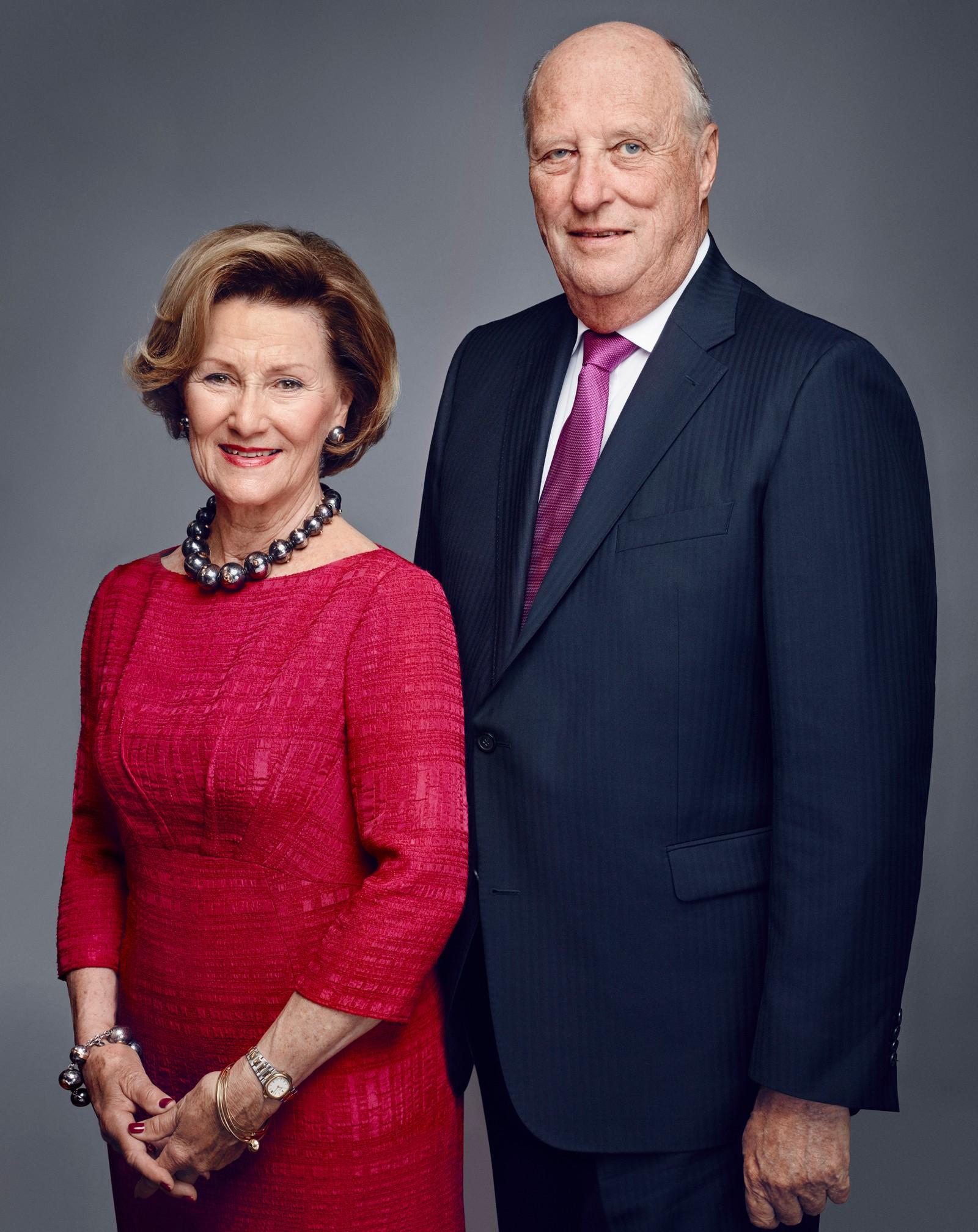 Dronning Sonja og kong Harald. Søndag har de vært dronning og konge i 25 år.