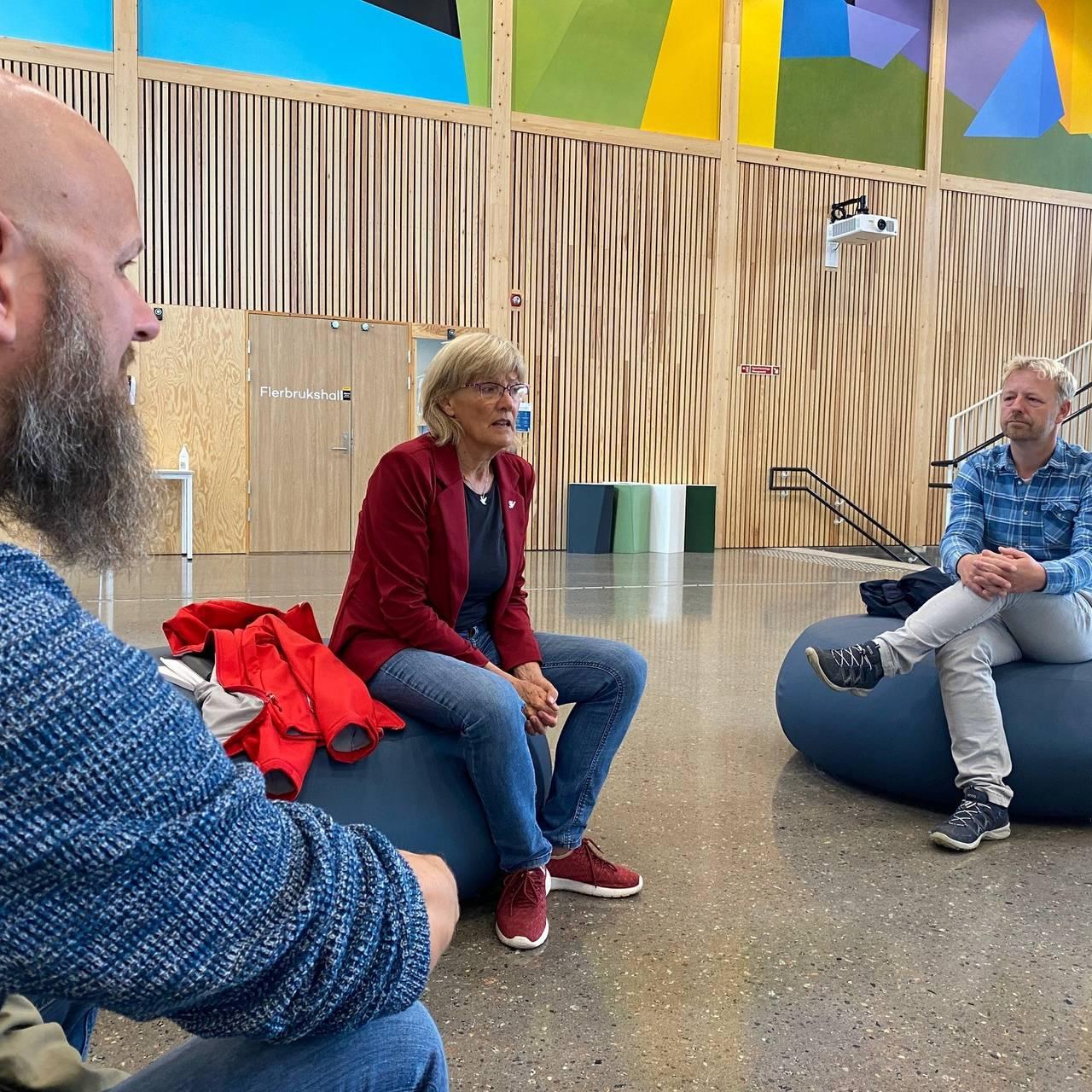 Karin Andersen i møte med Utdanningsforbundet på Stafsberg skole i Ringsaker