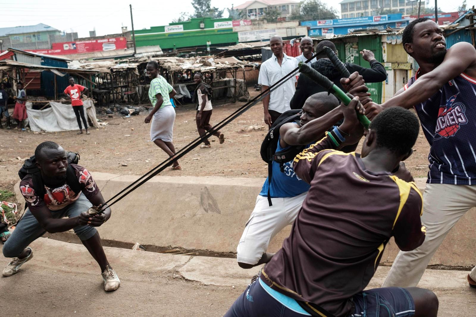 Demonstrasjon i Kisumu i Kenya. De vil at ledere som var ansvarlig for valget som ble annullert skal sparkes.
