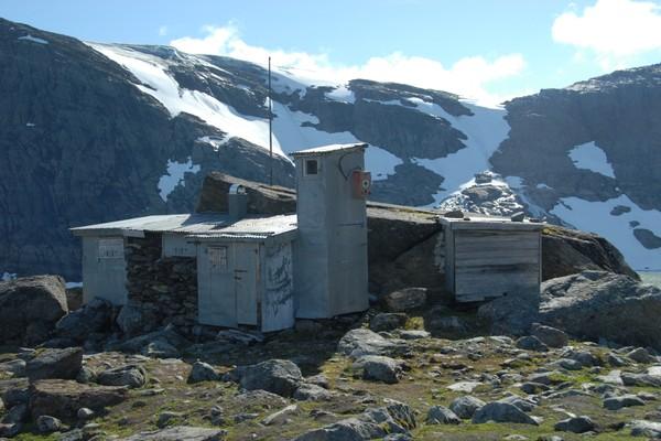 Steinbua ved Okstindan -  Foto: Svein Arne Brygfjeld