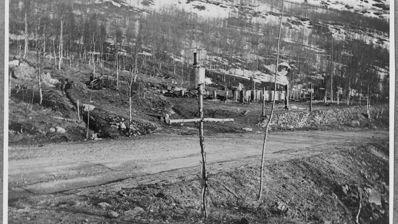 Soldatgrav fra krigen i Norge - Gratangen - norsk grav