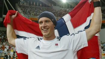 Nesten 900.000 nordmenn så Andreas Thorkildsen ta OL-gull i Athen i 2004.