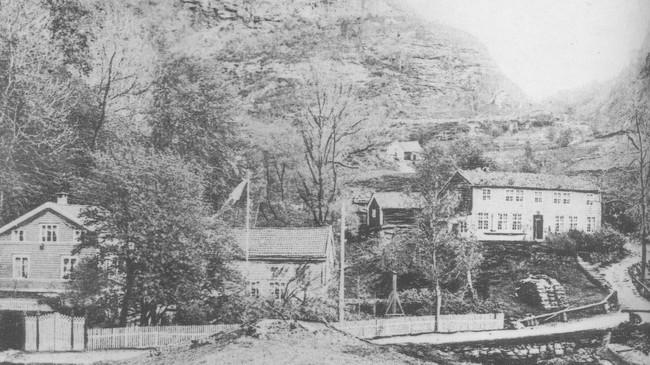 Dette er Døscherhagen i Leirvik ca. 1900. Ukjend fotograf.