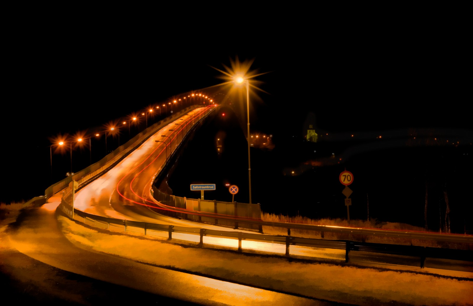 Morgentrafikk ved Saltstraumen.