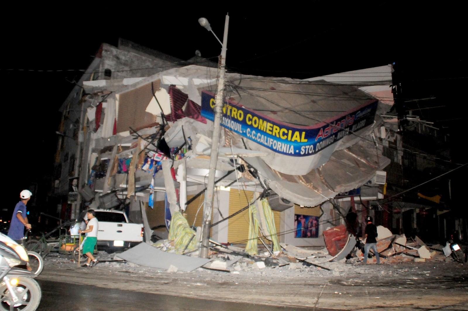 Et skadet hus i Manta.