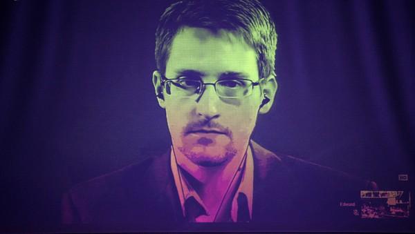 Hvordan var det mulig for Snowden å unnslippe?