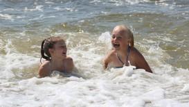 SYDENVARME: Det er tropedagar i lufta, og badetemperaturane konkurrerer også med sørlegare strøk.