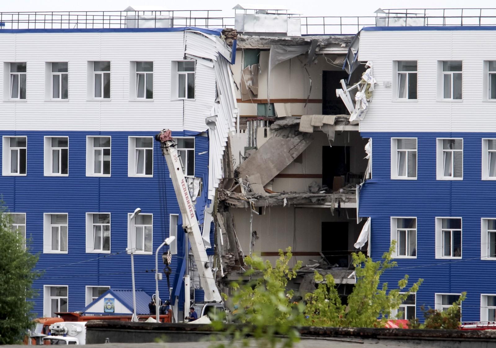 En militær brakke kollapset i Omsk, Russland, denne uka. 23 soldater mistet livet.