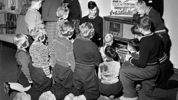 Breidablikk og Fagerholt Barnehjem får radio-grammofon i 1954