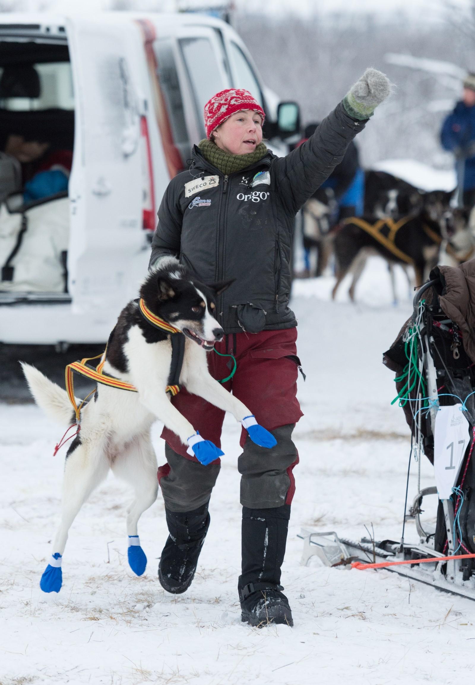 Trine Lyrek fra Alta er en erfaren hundekjører og har kjørt Finnmarksløpet flere ganger. I dag stilte hun til start på Bergebyløpet.