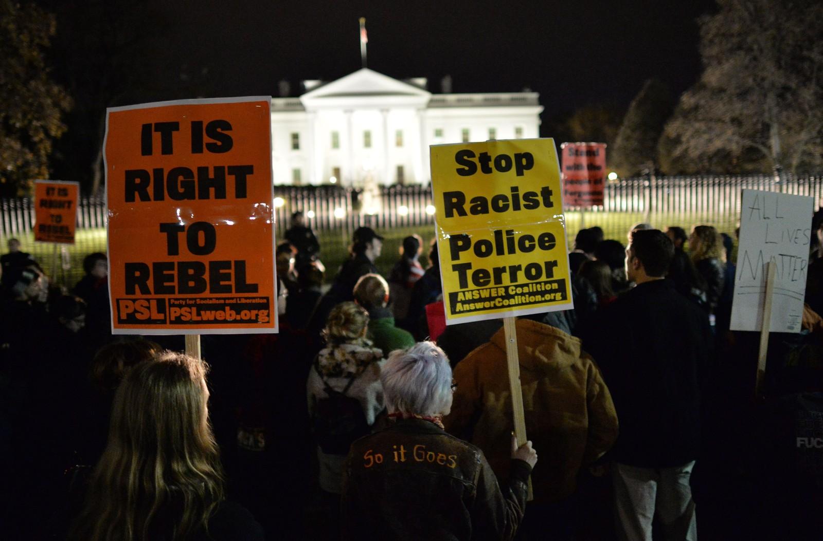 Demonstrasjon utenfor Det hvite hus i Washington D.C.
