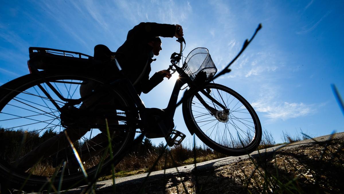 Kritikk av «sykkel-motorvei»: Mener bakkene blir så bratte at mange må leie sykkelen
