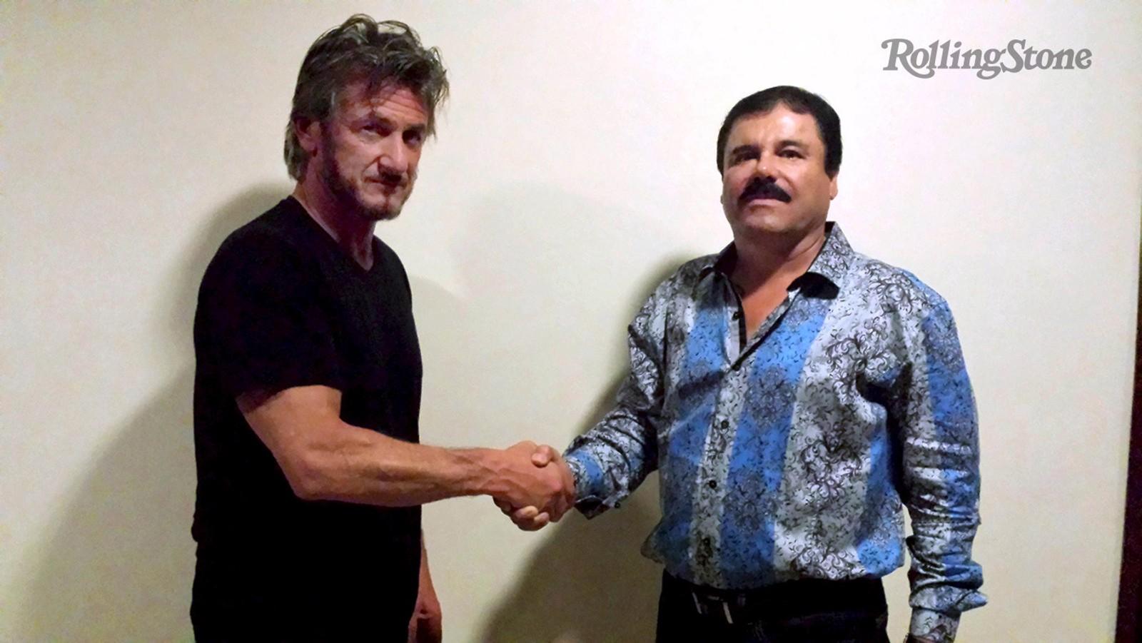 Skuespiller Sean Penn håndhilser på rømling og narkobaron Joaquin «El Chapo» Guzman i forbindelse med et intervju gjort av Penn for Rolling Stone. Det sju timer lange intervjuet skal ha ført til at mexicanske myndigheter kunne pågripe narkobaronen.
