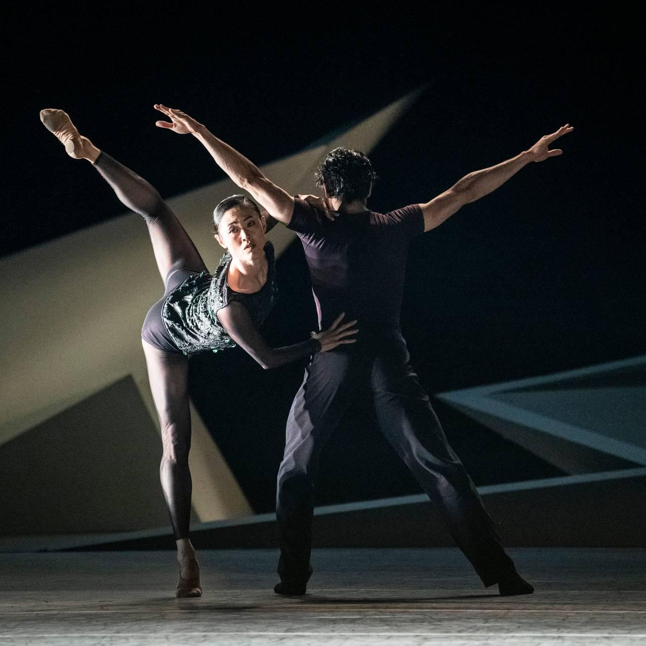 Maiko Nishino og Lucas Lima i ballettforestillingen