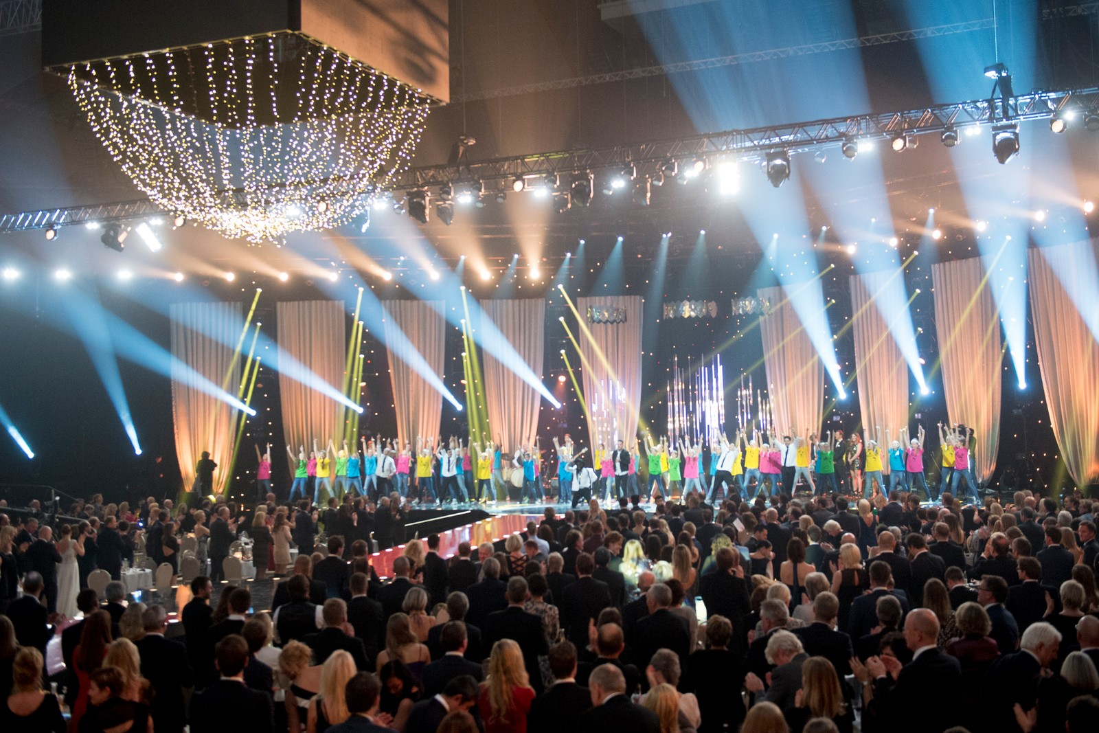 Mo & Sirius med OL-dansen på scenen under Idrettsgallaen 2016.