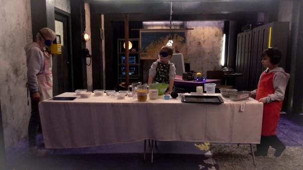 IMaš-gjengen skal bake muffins mens en er blind, en er døv og en er stum! Hvis ikke de klarer det, venter en straff..