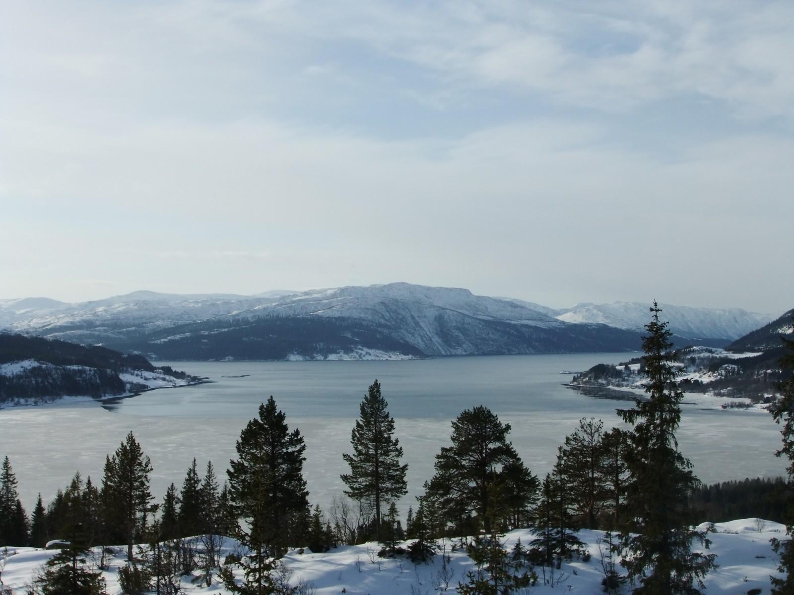 Fotografen av dette bilder melder om fint vær og fint skiføre i Utskarpen.