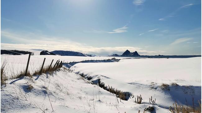 STRLÅLANDE SOL: Bø i Vesterålen har allereie fått ein smakebit på solsteiken.