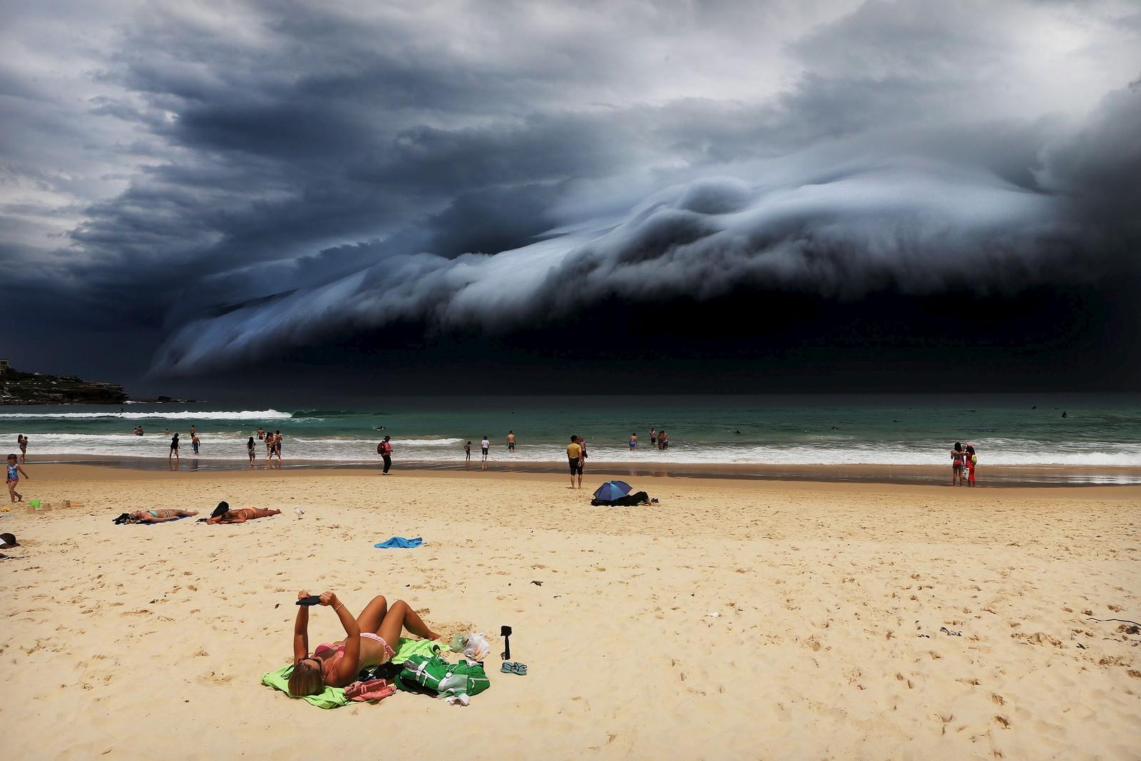 Storm Front on Bondi Beach av Rohan Kelly gikk til topps i kategorien Nature.