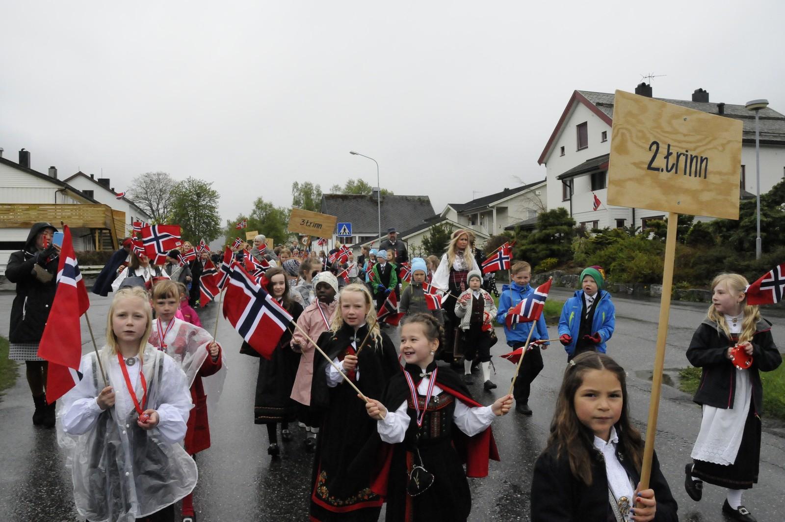 Åndalsnes barneskole i toget.