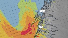 Rundt klokka 12.00 lørdag vil det blåse opp til liten storm i Lofoten, mens det vil være sterk kuling langs store deler av kysten i Nordland.