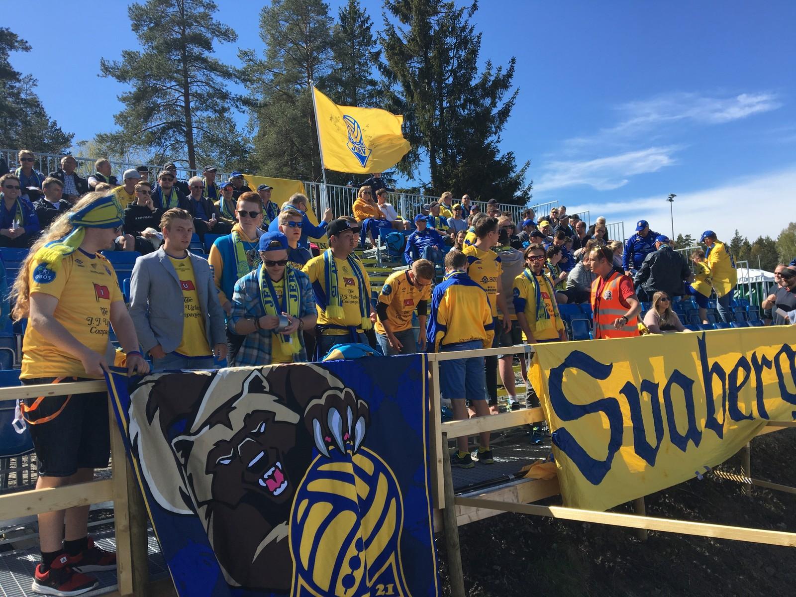 Jerv-supporterne på plass i Arendal