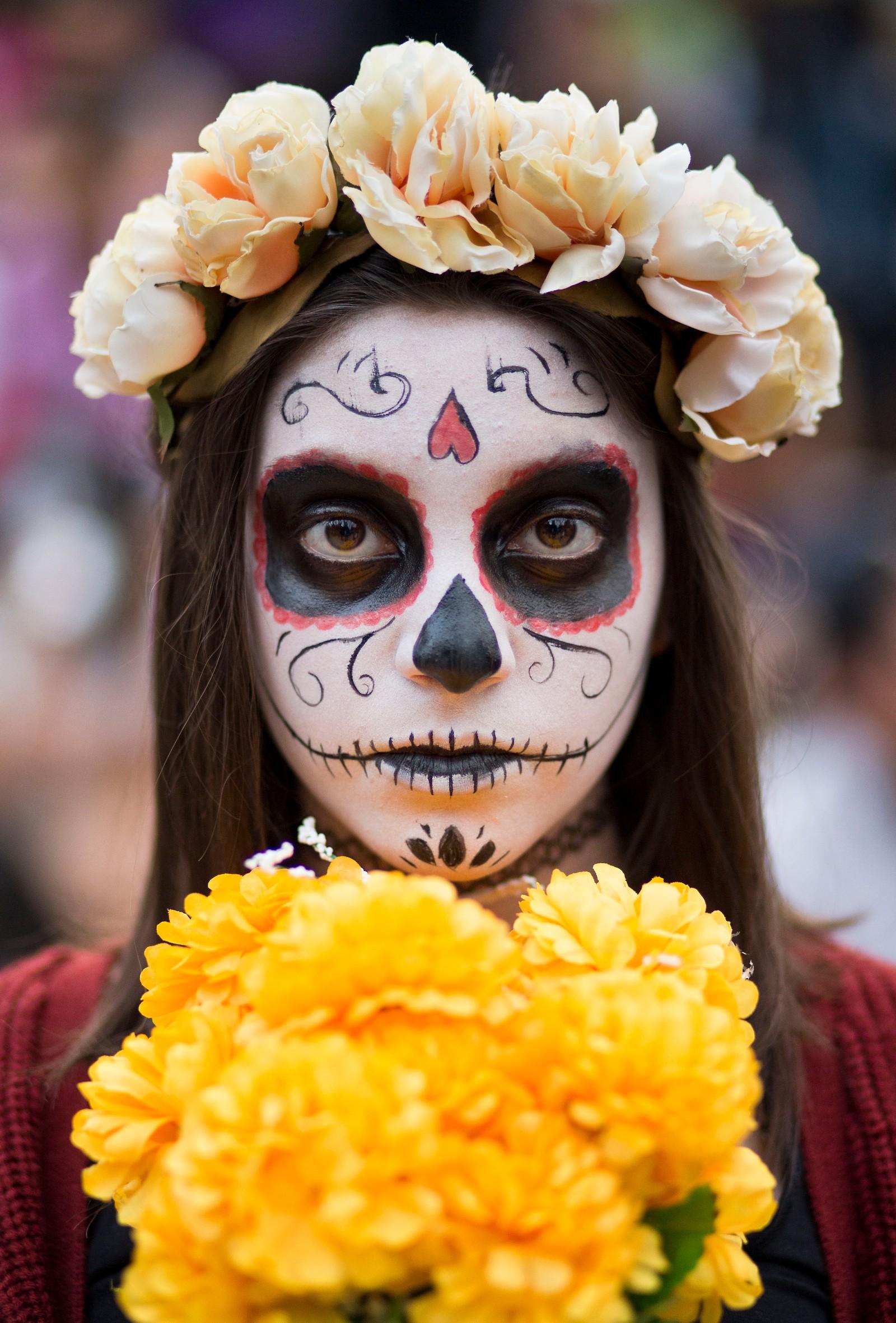 Denne jenta valgte en litt mildere utkledning under det årlige arrangementet.