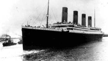 Titanic forlater Southampton i 1912 på sin første og siste reis