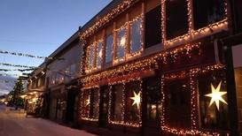 Widerøe Internet har valgt å høre på anmodningen, og skrur av julelysene på kontoret i Mosjøen i kveld.