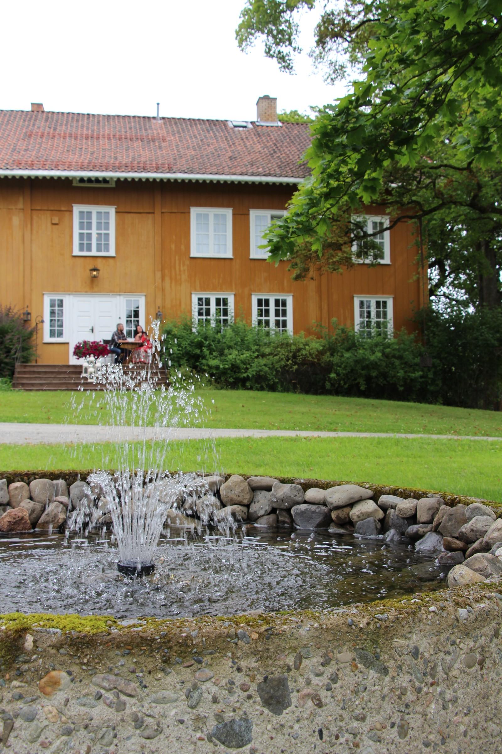 IDYLL: Hovedhuset på Fuglseng gård.