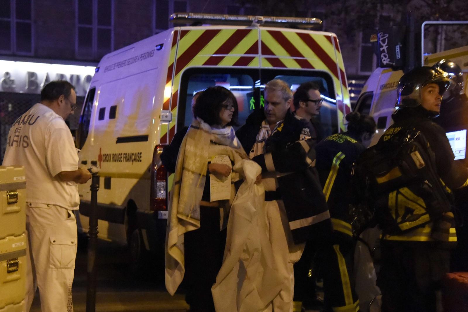 MANGE DREPT: Rundt 140 personer ble drept og 200 er såret etter fredagens samordnende terrorangrep i Paris. Alle gjerningsmennene antas å være døde.