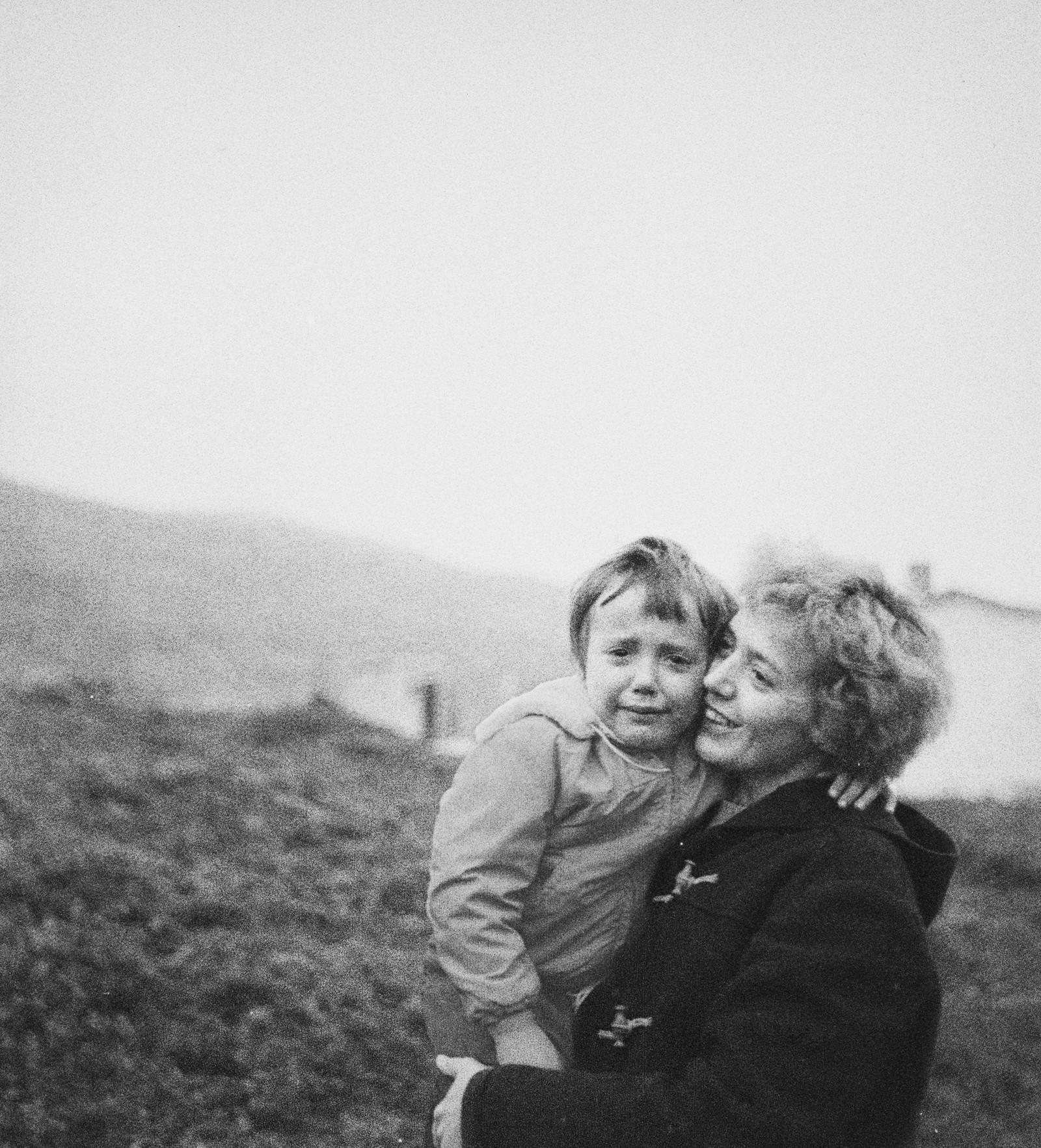 Kåre Kivijärvi ble kjent som Norges første kunstfotograf. Men det finnes relativt få bilder etter ham. I 2012 dukket det opp 9 ufremkalte filmruller på Kivijärvis loft, blant annet dette bildet fra Finnmark fra omkring 1957-58, helt i starten av Kivijärvis karriere.