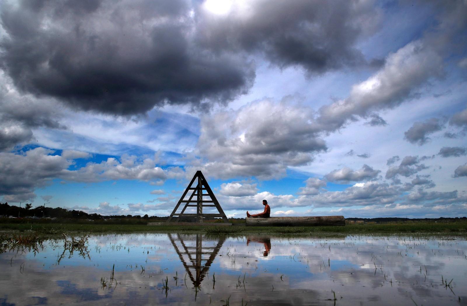 Amerikanske Brian Ellis mediterer i Portland, Maine.