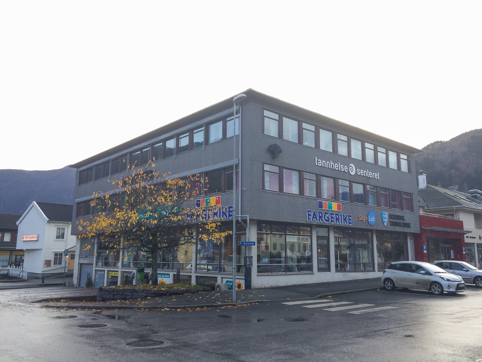 NYE LEILEGHEITER I SENTRUM: Det er planar om 30 leilegheiter og eit garasjeanlegg i Sognatun. Vil koste 70–100 millionar til saman. Dei åtte første leilegheitene skal stå klare i 2016, medan fullføring av prosjektet kan ligge nokre år fram i tid.