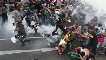 Tåregass lå tykk over kampene mellom politi og demonstranter