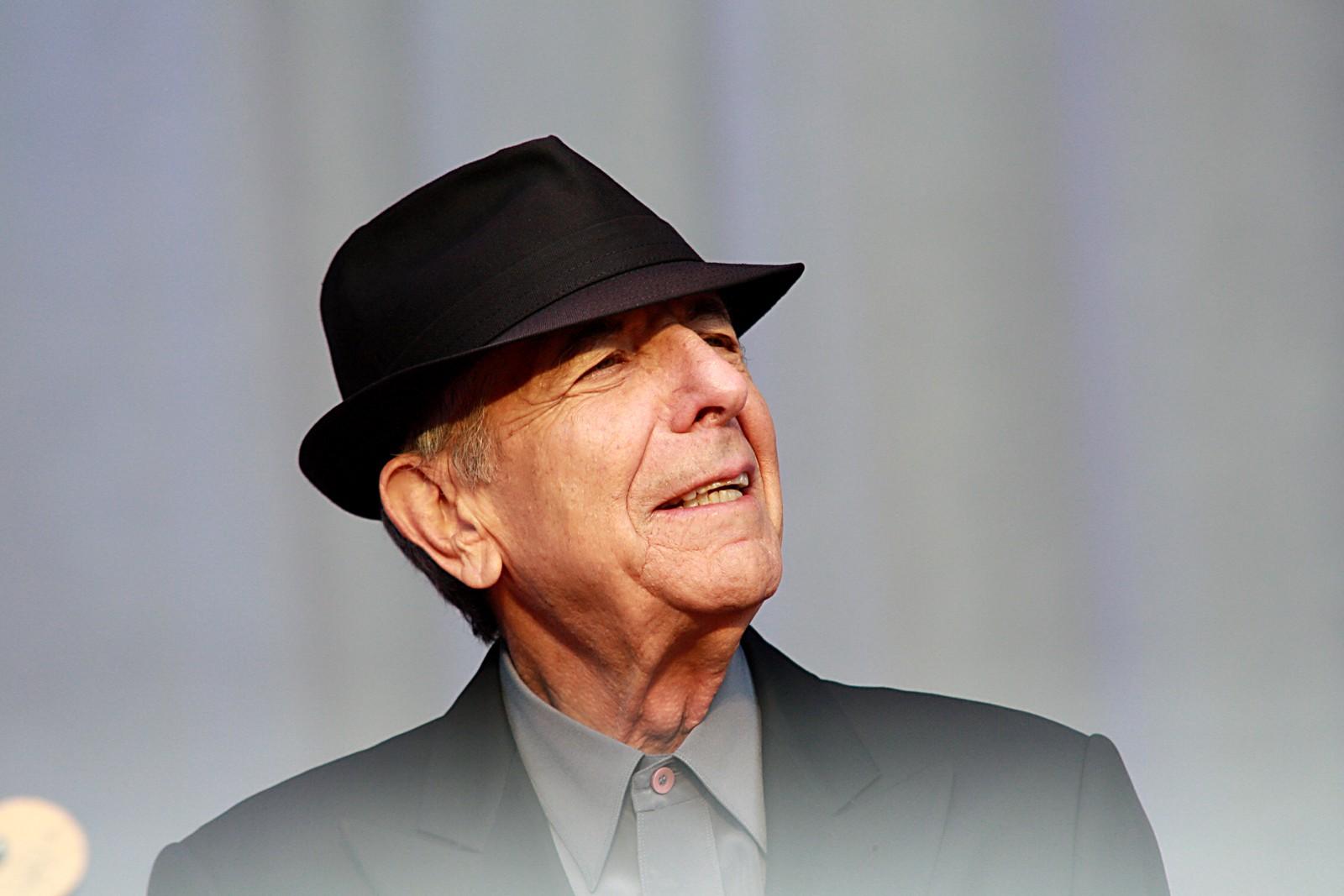 LANG KARRIERE: I løpet av sine 50 år som musiker gav Cohen ut 14 album.