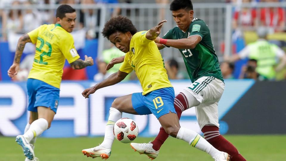 Fotball - VM: Høydepunkter 8-delsfinaler Brasil - Mexico og Belgia - Japan