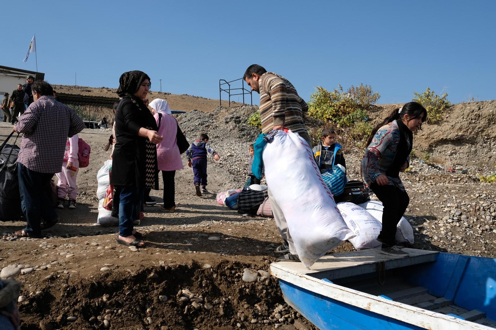 Mange varer er enklere å få tak i Irak enn i Syria, derfor er det mye «harryhandel» over landegrensa.