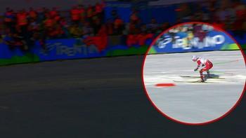 Det kunne ha gått galt, men Sjur Røthe slapp med skrekken og tok gull i sin første VM-stafett. Kommentatorer: Jann Post og Torgeir Bjørn