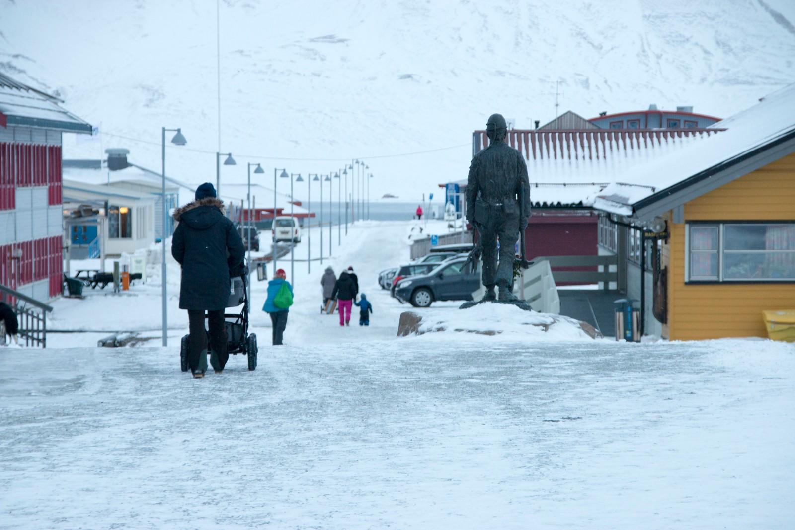 Gågaten i Longyearbyen.