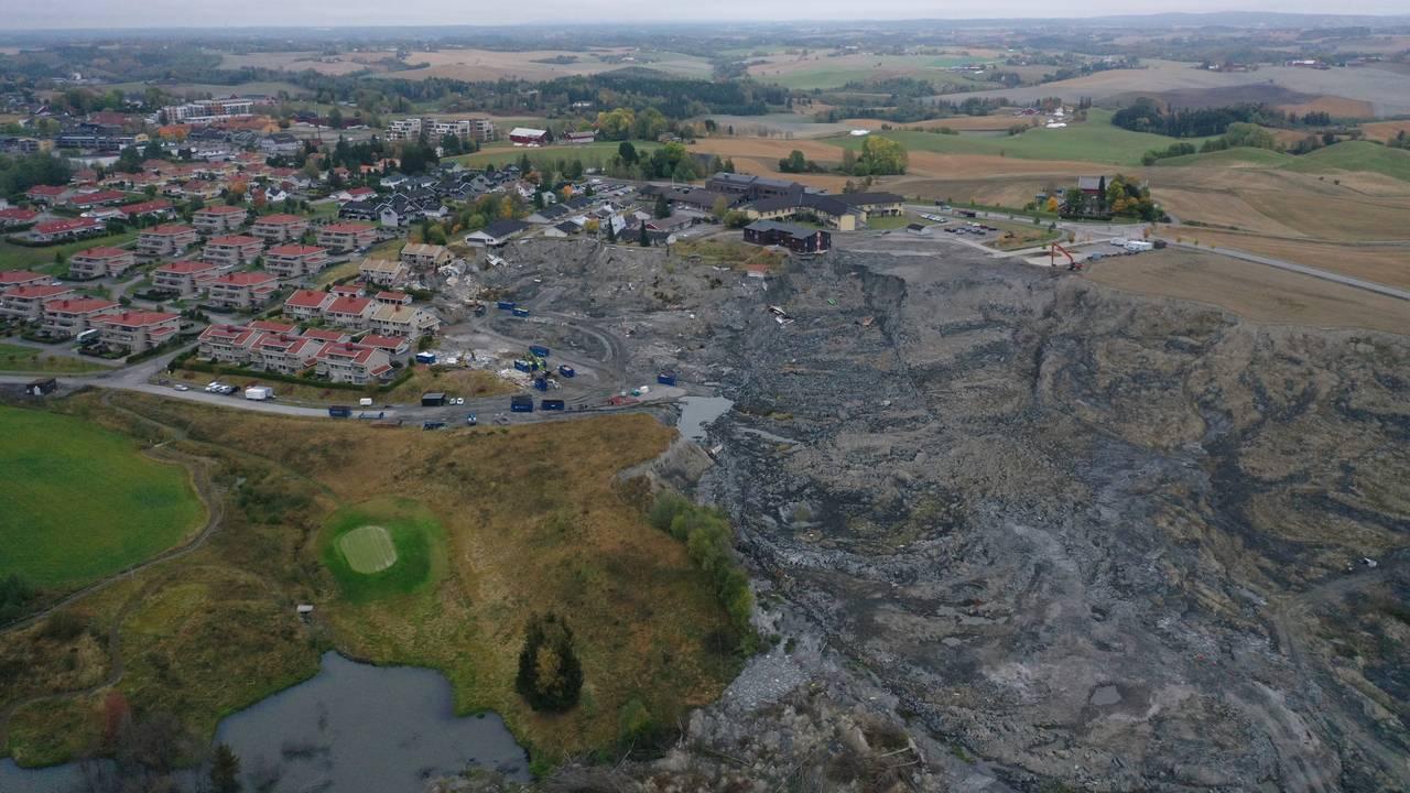 27.09.21: Dronefoto fra skredgropen i Gjerdrum.