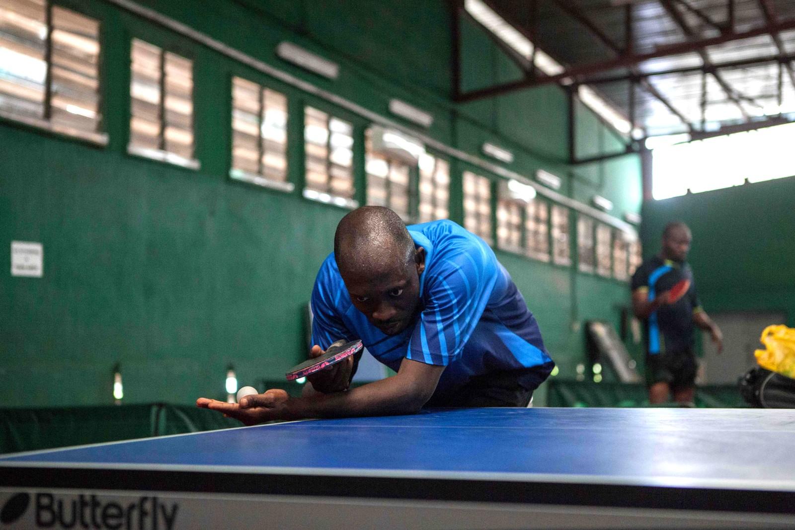 Den nigerianske bordtennisspilleren Segun Toriola trener i Lagos den 26. juli. 41-åringen skal være med i OL i Rio i Brasil, og vil da skrive historie som den første afrikaneren som har konkurrert i sju OL.
