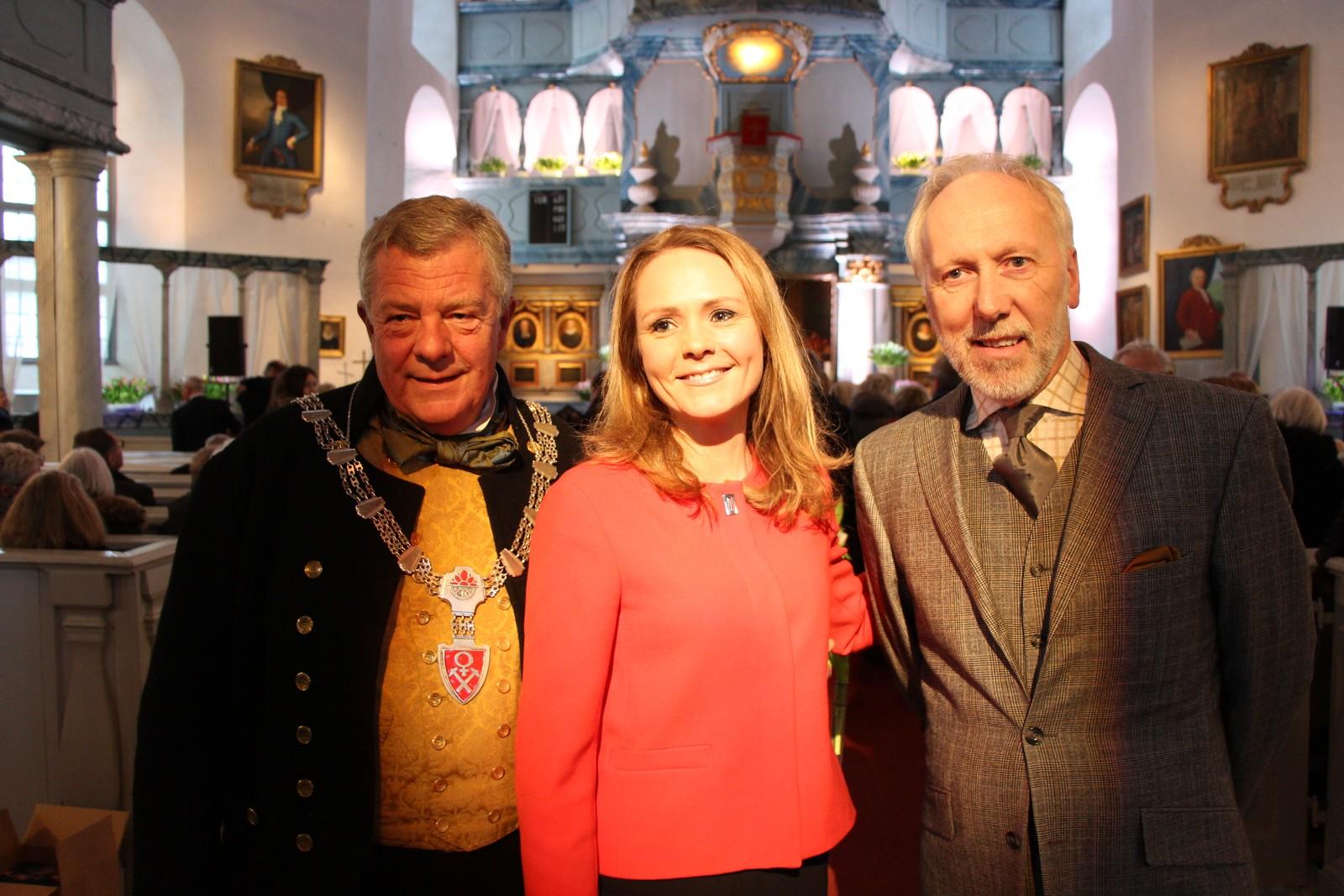 F.v. Ordfører i Røros, Hans Vintervold, kulturminister Linda Hofstad Helleland og festspillsjef Bjørn Nessjø under åpningen.